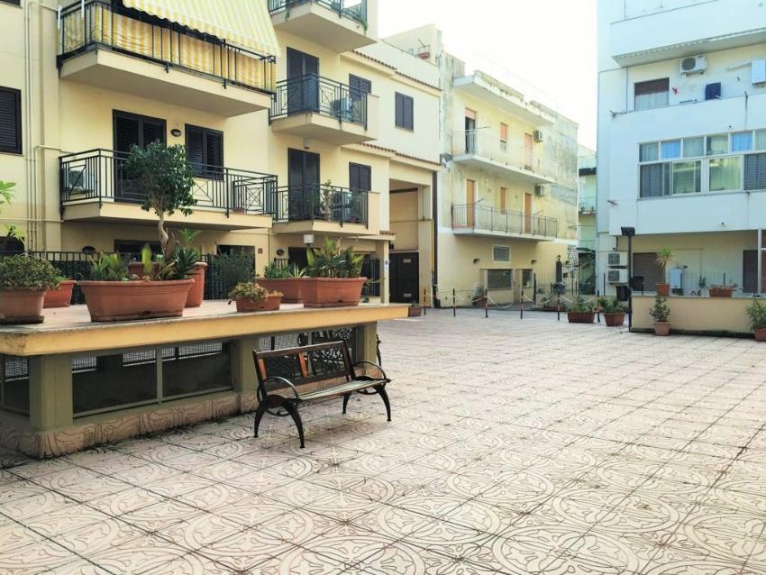 Unicasare - Comprare, vendere, affittare casa a Palermo
